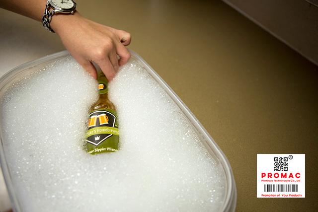 cách bóc nhãn mác bằng nước rửa chén